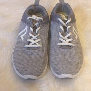 Vionic shoes size 8.5